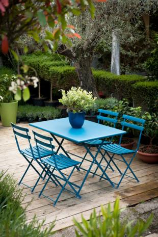 chaises de jardin en acier laqué bleu ciel