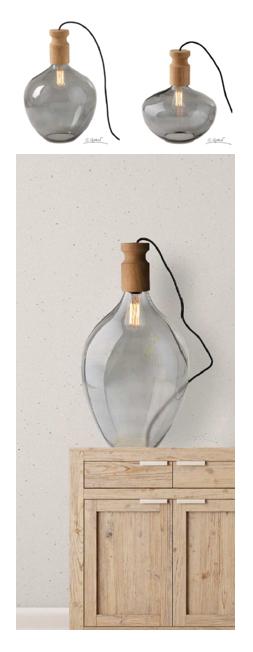 lampe de bureau ampoule dans une bouteille en verre