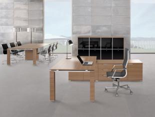 bureau de direction design et fonctionnel bois clair
