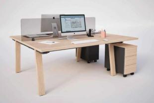 bureaux opératifs en bois clair inspiration scandinave