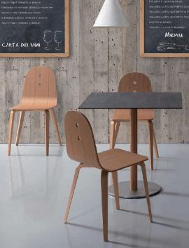 chaise en bois brut style classique et contemporain