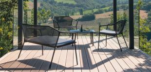 assises lounge chaise ou banquette en acier perforé laqué
