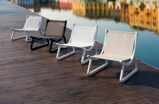 assises lounge chaise basse en toile beige ou blanche