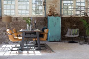 tables fauteuils et rangements style industriel vintage