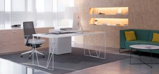 bureau design et moderne en métal blanc