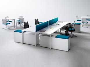 bureaux design et fonctionnels blancs et bleus