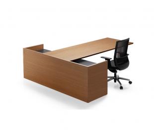 bureau classique en bois brut