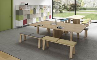 aménagement espace détente avec mobilier en bois