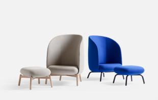 fauteuils bas design en cuir bleu ou gris
