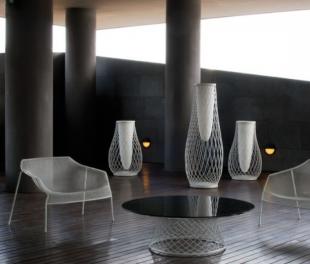 assises lounge modernes en acier perforé blanc