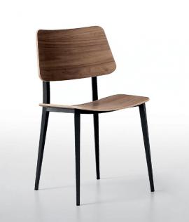 chaise en acier et bois style classique et contemporain