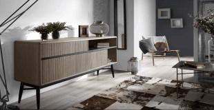 mobilier en bois et tapis style scandinave