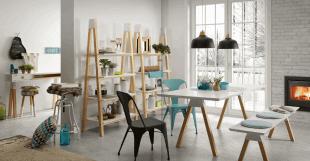 pièce style scandinave bois et couleurs pastel
