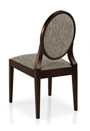 chaise en bois et assise en tissu rembourré gris