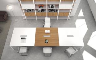 espace réunion table chaise et rangements assortis
