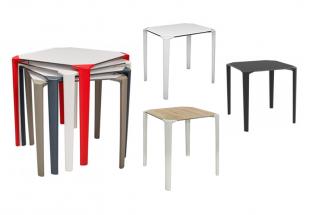tables carrées d'extérieur rouge noir blanc ou bi-colore