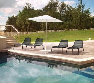 bain de soleil chaise longue en acier laqué noire