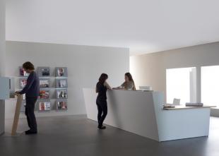 comptoir d'accueil blanc moderne pour entreprise
