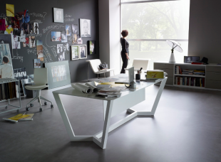 bureau de direction design en métal blanc