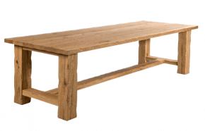table rustique en bois massif clair