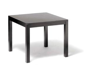 table classique en bois de hêtre foncé