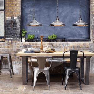 mobilier et luminaire en acier inspiration industriel chic