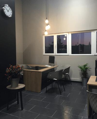 décoration bureau d'accueil luminaire design