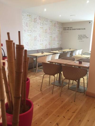 décoration bar chaises confort et design
